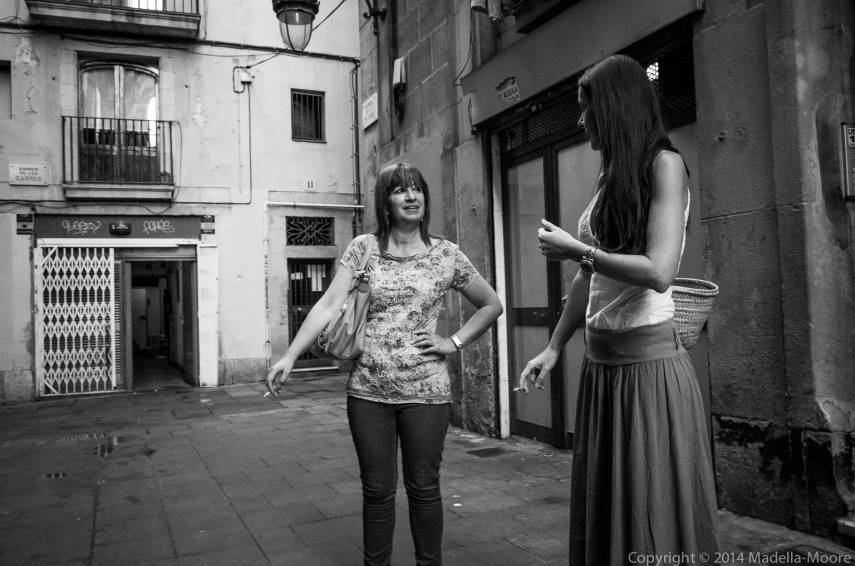 Two women smoking, Barcelona
