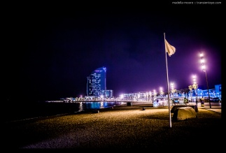 Night-time photograph of Playa Sant Sebastian, Barcelona. Taken with a Canon 5D Mark III and Sigma 35mm f1.4 Art lens.