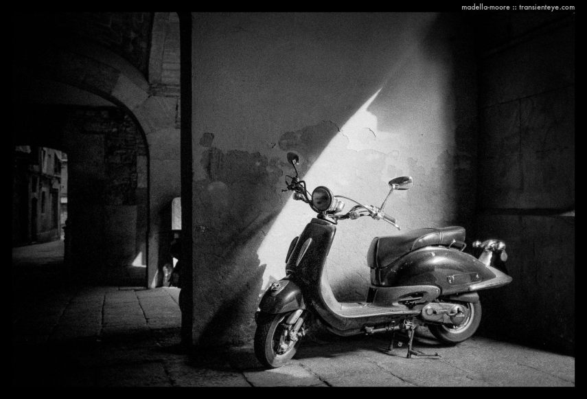 Scooter, Barcelona. Leica M7 with Zeiss 2/35 and Ilford HP5+.