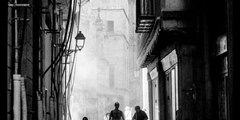 Sand blasting alongside the Catedrale, Barcelona - Leica M7