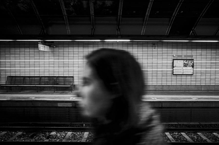 Life passing by at Vallvidrera estación de ferrocarril