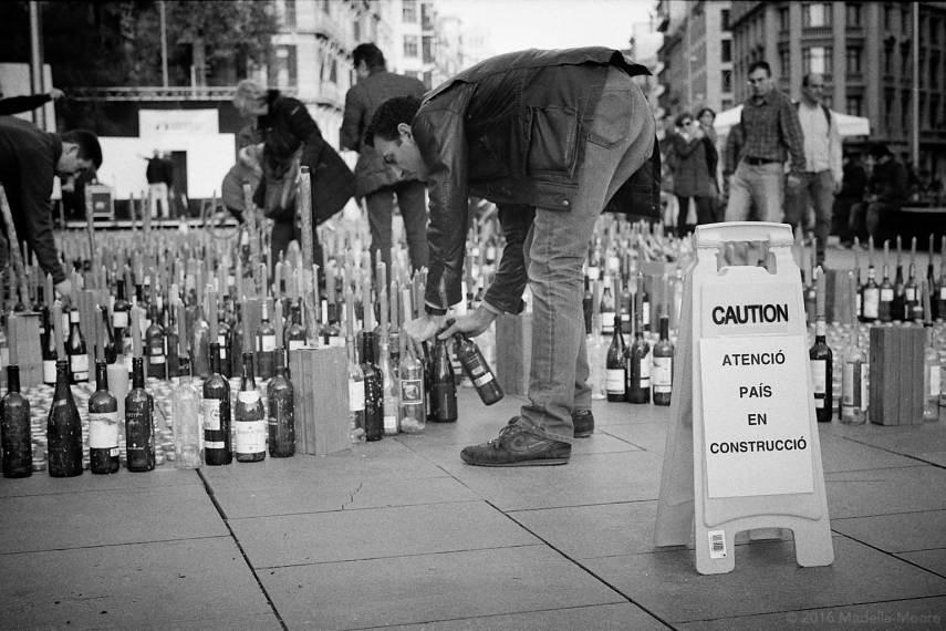 Protest in support of refugees, Plaça de la Universitat, Barcelona