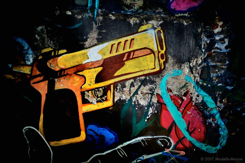 Four Doors - Barcelona Street Art, Glories - Gun