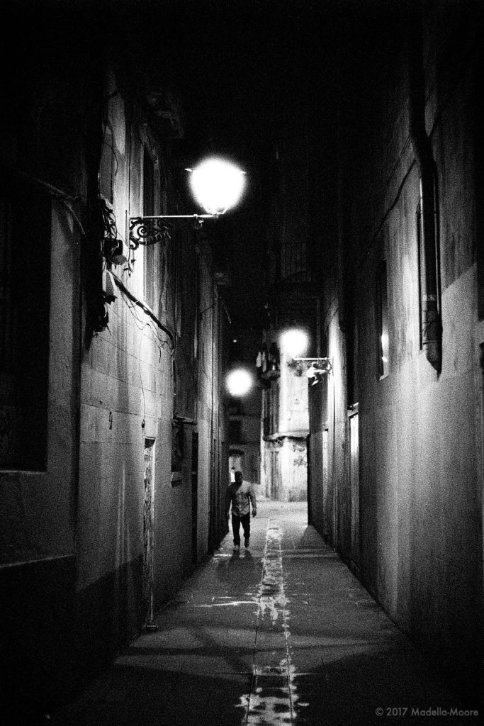 The first of two sets of night time street images taken in barcelona shot on high iso film the intention was to capture something of the night time in