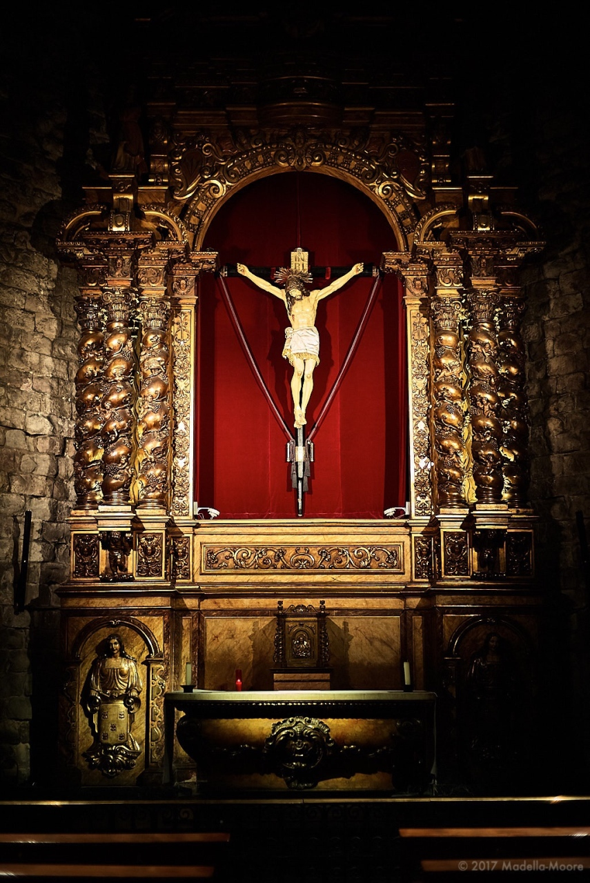 Church interior, Barcelona. Leica M typ 262 with Zeiss ZM 1,5/50 C-Sonnar.
