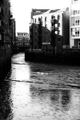 London-River-Walk-1810