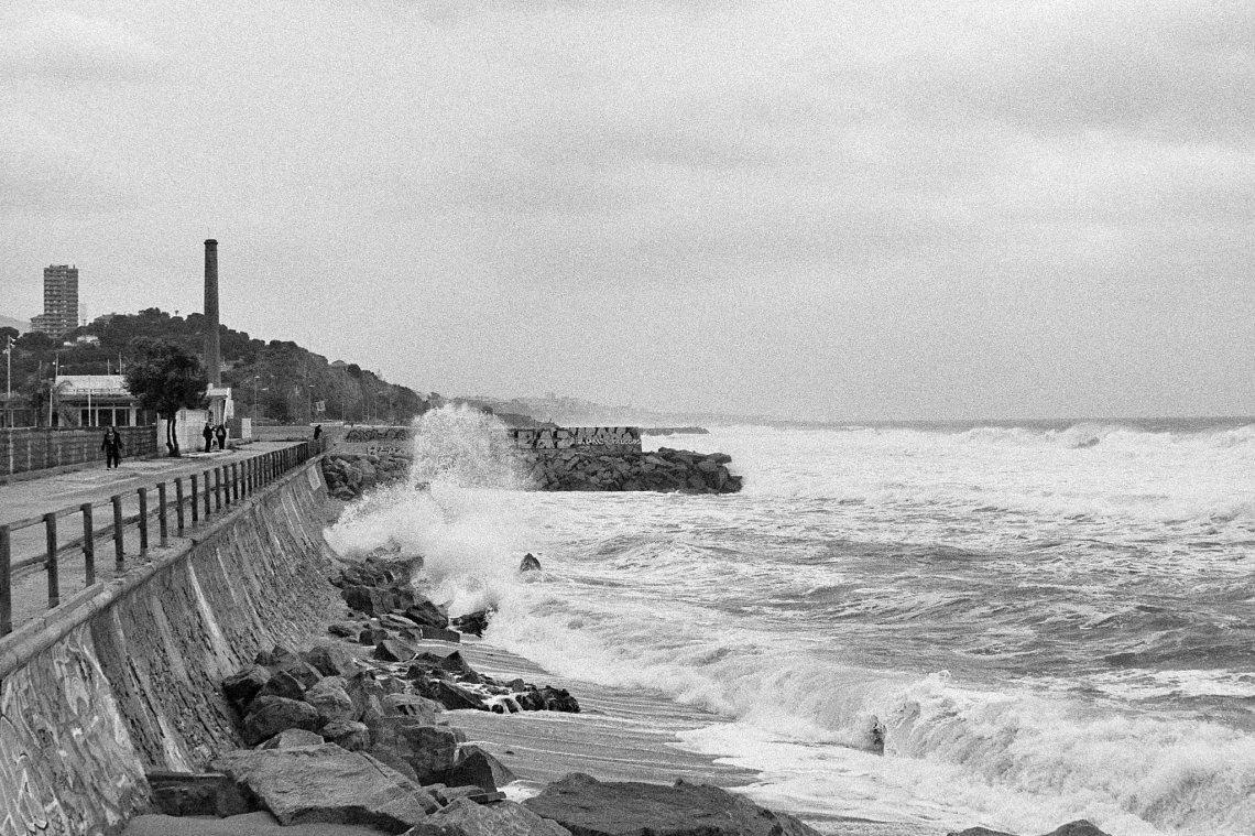 Stormy beach scene, Montgat