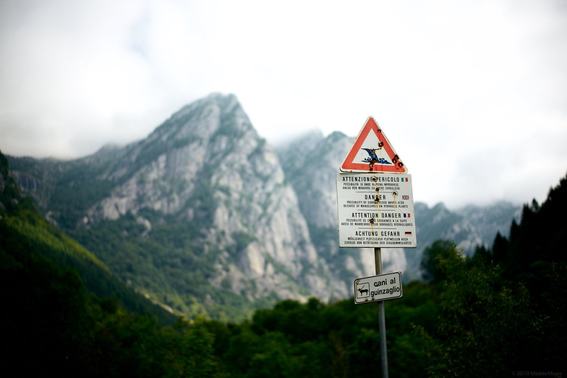 Warning, Vall di Mello.